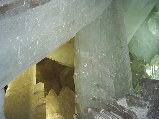 http://perierga.gr/wp-content/uploads/2010/09/crystal_5.jpg