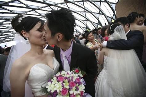 6000 γάμοι στην Ταιβάν