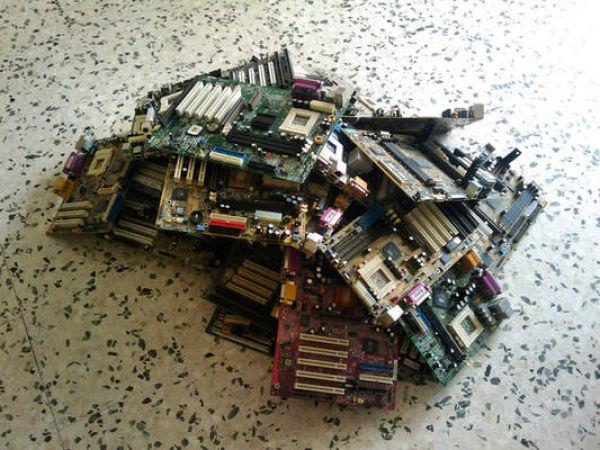 Αόρατα Γεγονότα - Βγάζοντας χρυσό από παλιούς υπολογιστές! (ΦΩΤΟ)