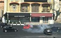 Aκροβατική επίδειξη αυτοκινήτων στη Eurodisney