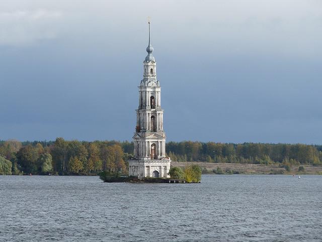perierga.gr - Υποβρύχιο μοναστήρι