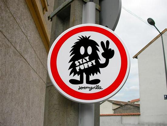 Perierga.gr - Οι αστείες πινακίδες της Λιόν