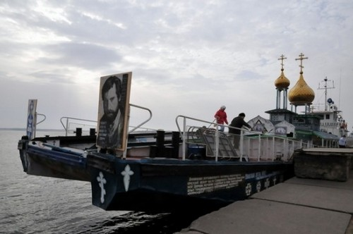 Perierga.gr - Εκκλησάκι πάνω σε πλοίο