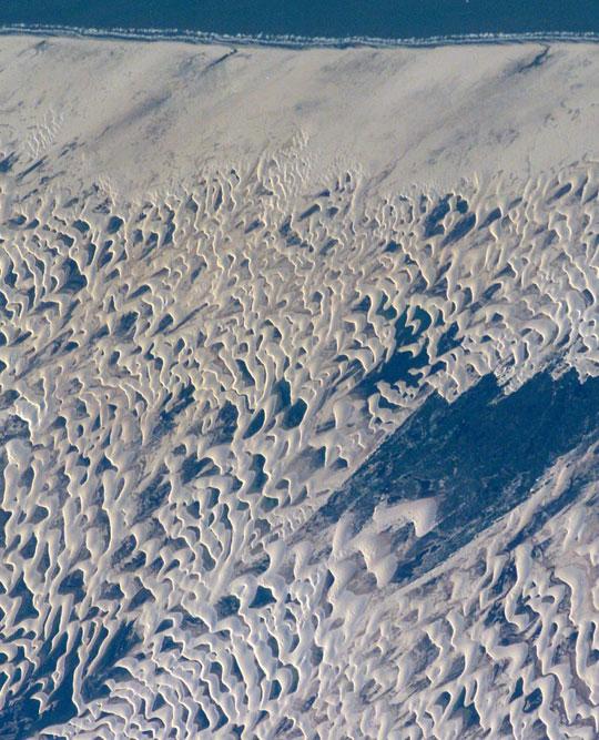 http://perierga.gr/wp-content/uploads/2010/11/lagoon_desert_1.jpg
