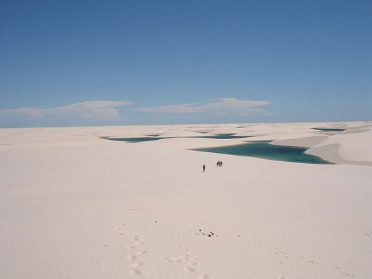 Perierga.gr - Η άσπρη έρημος με τις εκατοντάδες λίμνες