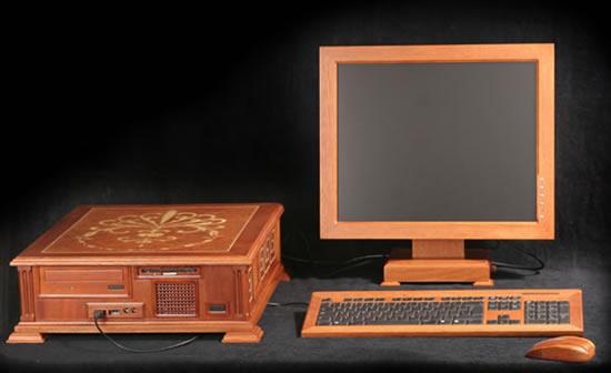 Perierga.gr - Wooden computer