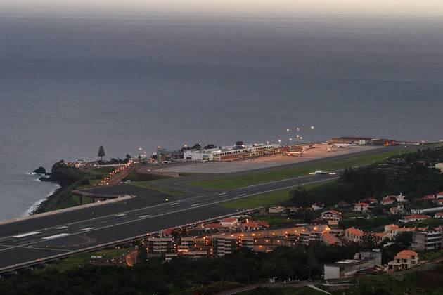 Perierga.gr - Αεροδρόμιο Πορτογαλίας