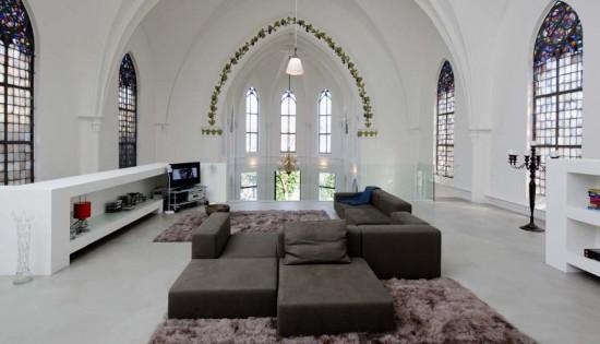 http://perierga.gr/wp-content/uploads/2010/12/church_house_6.jpg