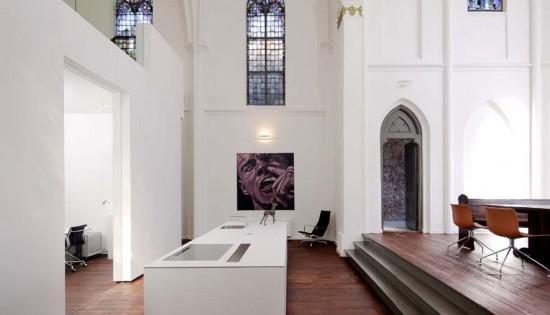 Perierga.gr - Εκκλησία - σπίτι αξίας 2.5 εκατομμυρίων ευρώ