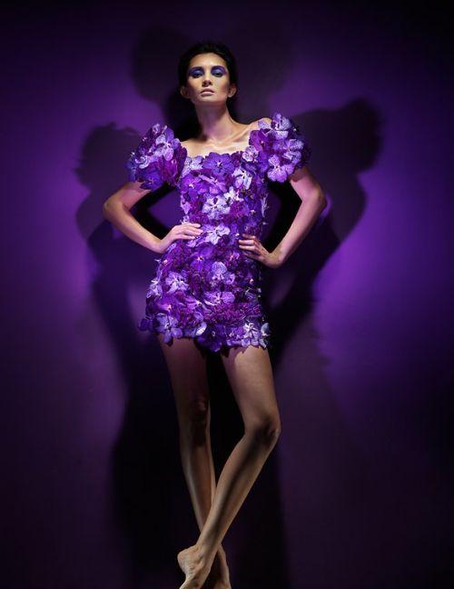 Perierga.gr - Φορέματα από λουλούδια!