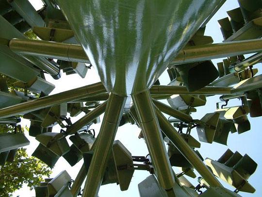 Perierga.gr - Το δέντρο των φαναριών