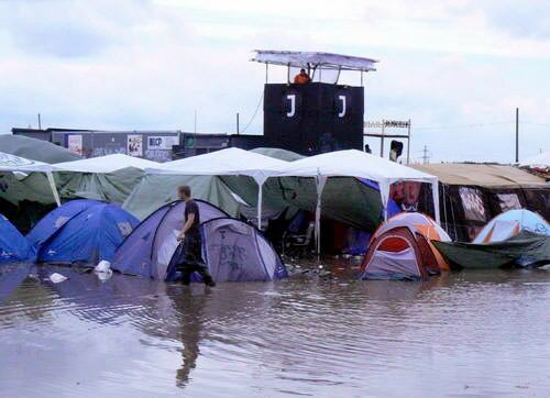 Perierga.gr - Φεστιβάλ στο νερό...