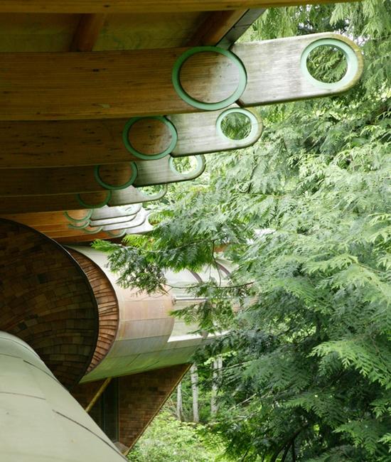 Perierga.gr - Πολυτελές σπίτι στο δάσος