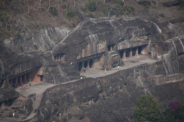 Perierga.gr - Μοναστήρια σε βράχους!