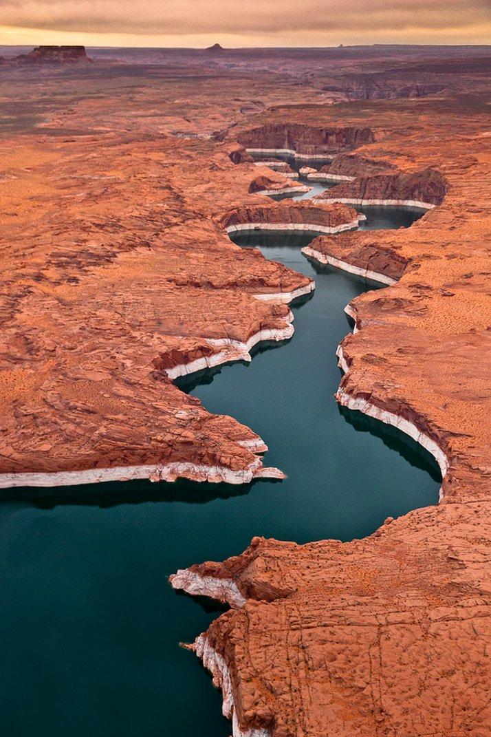 Perierga.gr - Εντυπωσιακό ποτάμι!