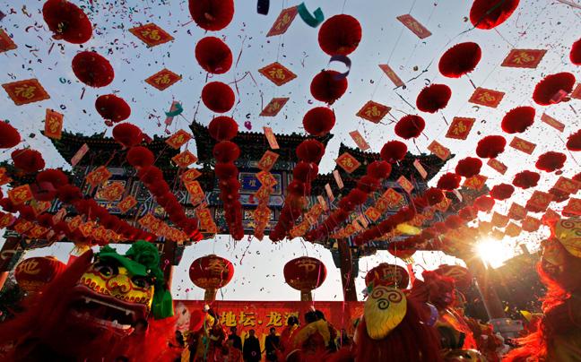 Perierga.gr - Στην Κίνα υποδέχονται τη χρονιά