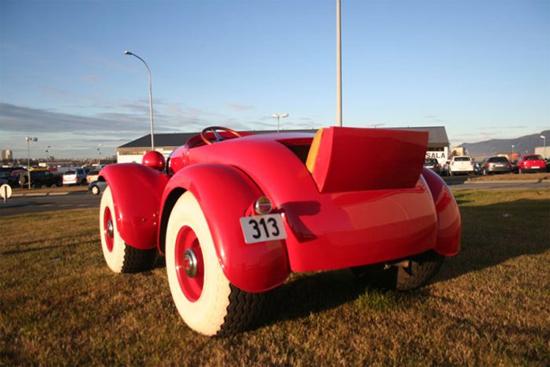 Perierga.gr - Το αυτοκίνητο του Ντόναλντ Ντακ!