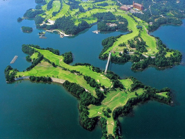 Perierga.gr - Γήπεδο γκόλφ!