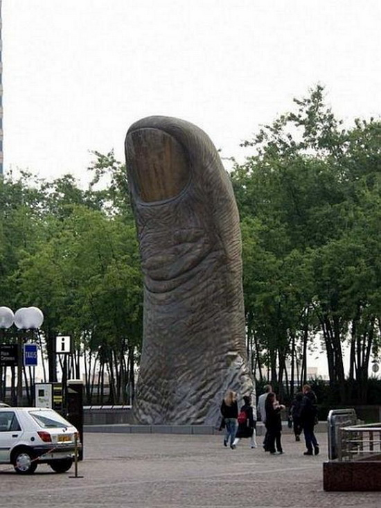 Perierga.gr - Περίεργα αγάλματα!