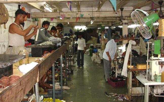 Perierga.gr - Εργοστάσια της Ινδίας