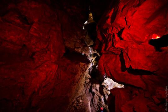 Perierga.gr - Σπήλαιο στη Ρωσία
