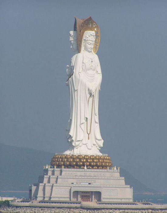 Perierga.gr - Τα ψηλότερα αγάλματα