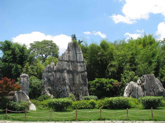 Perierga.gr - Πέτρινο δάσος στην Κίνα!