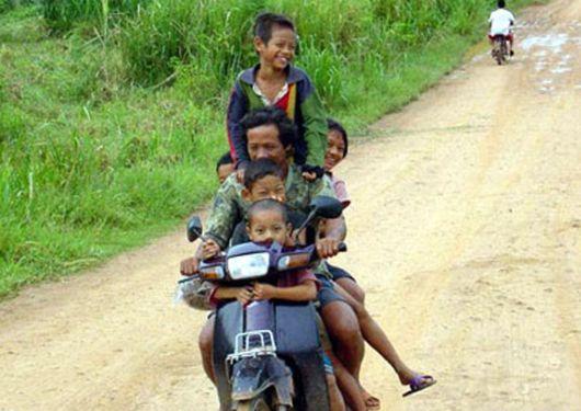Perierga.gr - Οι μεταφορές στο Βιετνάμ