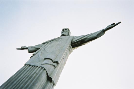 Perierga.gr - Το άγαλμα του Χριστού στο Ρίο!