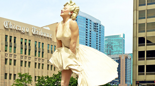 Perierga.gr - Το άγαλμα της Μέριλιν Μονρόε