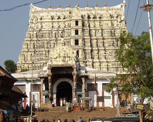 Perierga.gr - Ινδία: Θησαυρός αμύθητης αξίας σε ναό