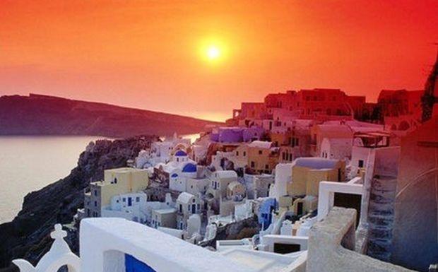 Perierga.gr - Η Σαντορίνη το ομορφότερο νησί του κόσμου