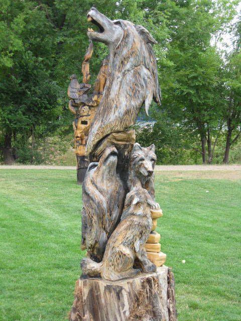 Perierga.gr - Γλυπτά σε κορμούς δέντρων
