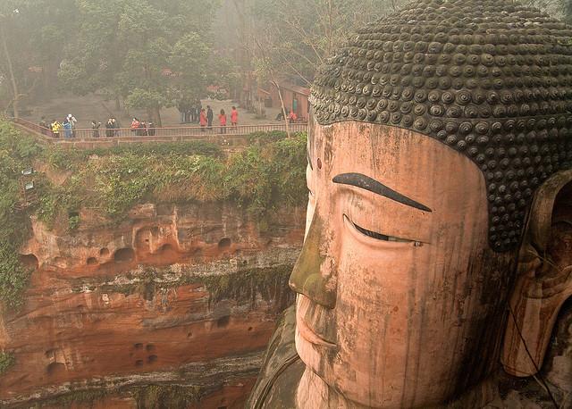 Perierga.gr - Giant Buddha Leshan