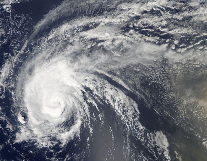 Perierga.gr - Ο τυφώνας Irene από το διάστημα!