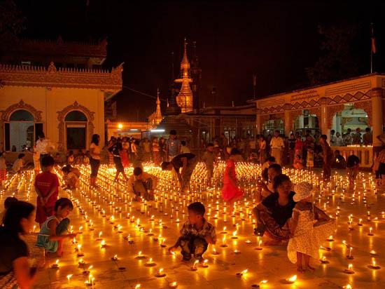 Chien-Chi Chang - Thadingyut Festival