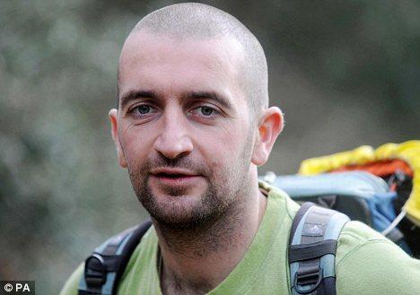 Perierga.gr - Ο άνθρωπος που ζει χωρίς χρήματα από το 2008!