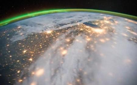 Perierga.gr - Εντυπωσιακό βίντεο καταγράφει την περιστροφή της γης