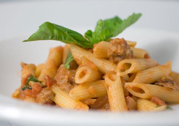 Perierga.gr - «Εδώ θα τρώτε μόνο ιταλικά»