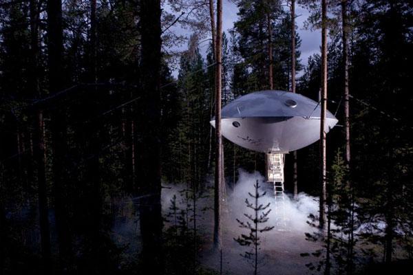 """perierga.gr - Ένας... ιπτάμενος δίσκος """"υπόσχεται"""" διαμονή πολλών αστέρων!"""