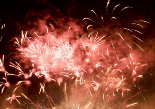Perierga.gr - Πυροτεχνήματα 30 λεπτών σε μόλις ένα..λεπτό!