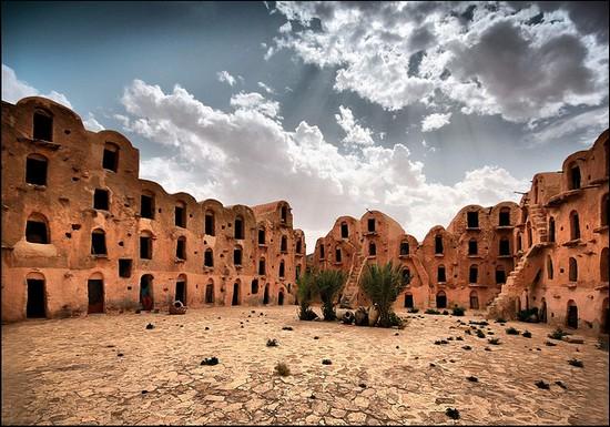 perierga.gr - Μια πόλη-κάστρο στην καρδιά της ερήμου!