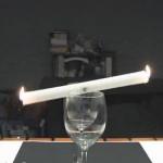 Εντυπωσιακό κόλπο με κερί