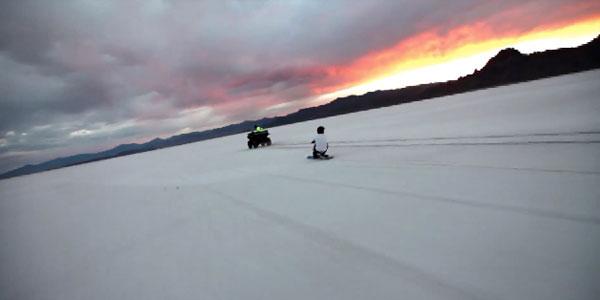 perierga.gr - Κάνοντας σκι πάνω σε... αλάτι!