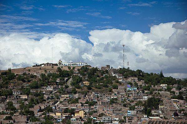 perierga.gr - Η πόλη με τις 33 εκκλησίες...