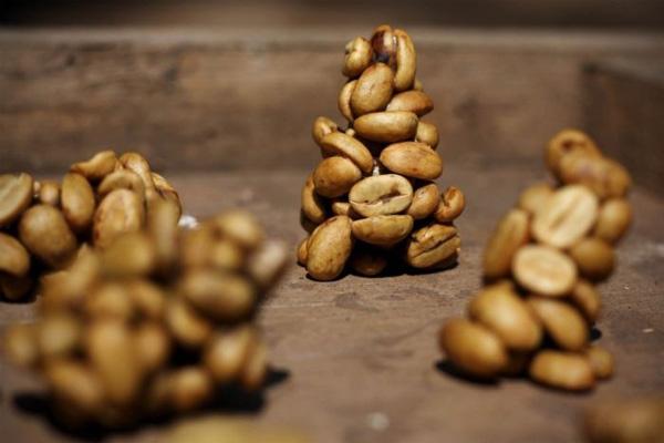 perierga.gr - Μια νυφίτσα κάνει... τον καλύτερο καφέ!