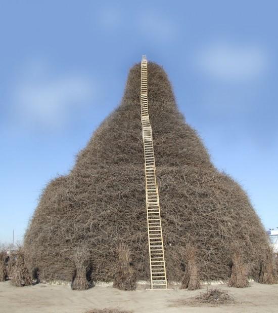 perierga.gr - Μια γιγαντιαία φωτιά ύψους 25 μέτρων!