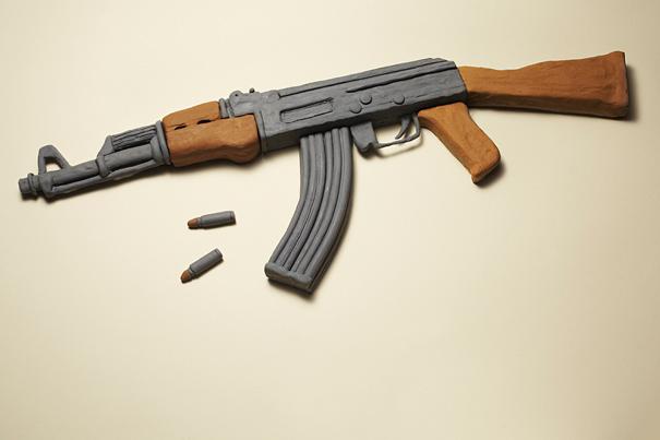 Όσο για τα «ακίνδυνα όπλα» του; το
