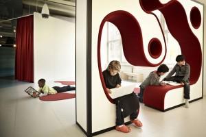 perierga.gr - Νέα άφιξη: Το πρώτο σχολείο... παιδότοπος!