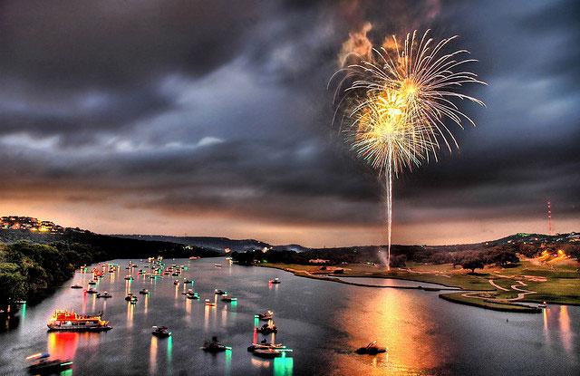Perierga.gr -  Απίθανα πυροτεχνήματα από όλον τον κόσμο